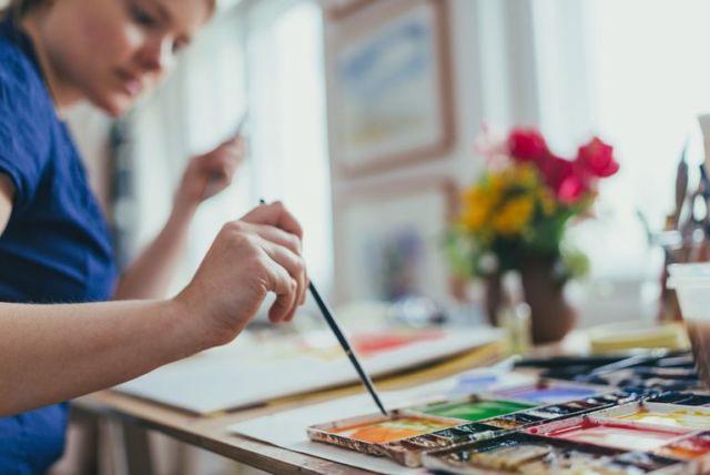 melukis misalnya