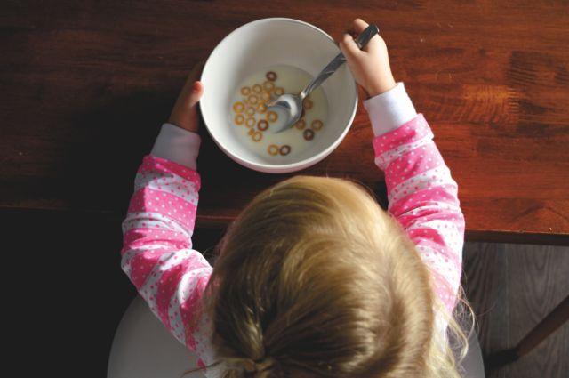 Berikan Si Kecil Alat Makan Khusus