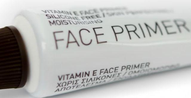 Jangan lupa pakai primer sebelum makeup
