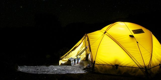 Mendirikan Tenda Dome