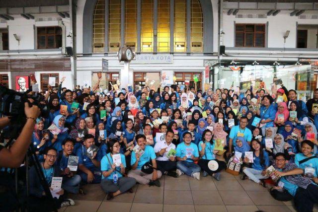 http://blog.indorelawan.org/aksi-kereadta-untuk-indonesia-gemar-membaca/