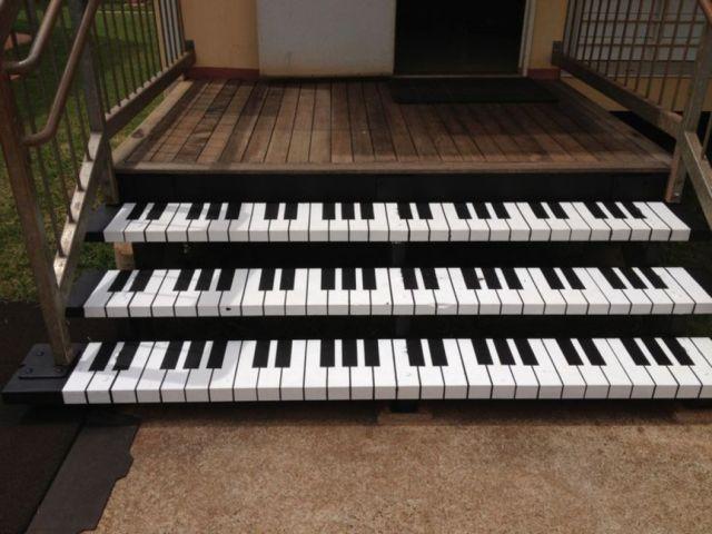 Tangga bentuk piano