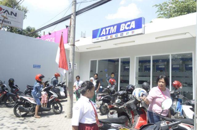 ATM BCA Pare