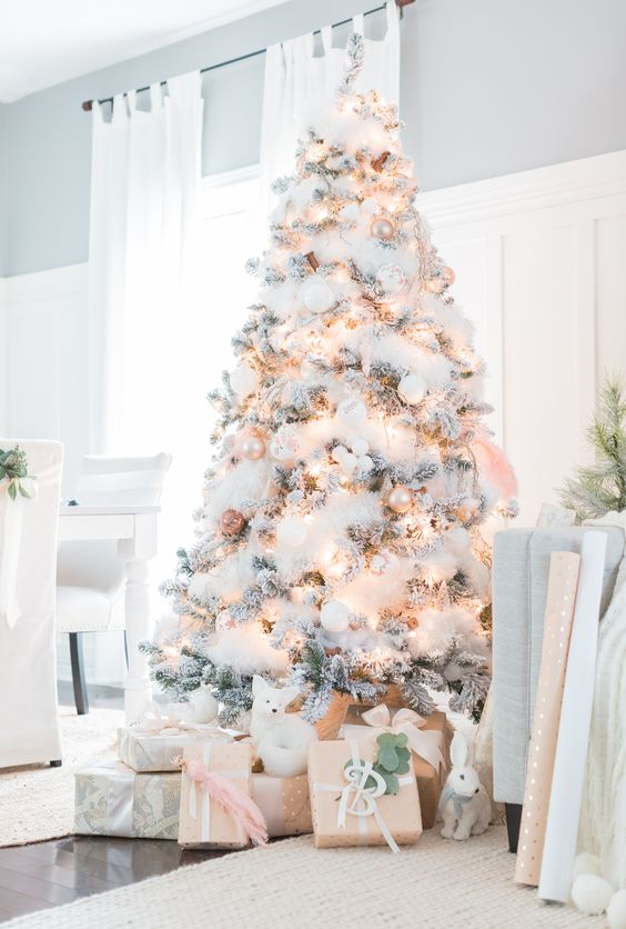 White Christmast Tree