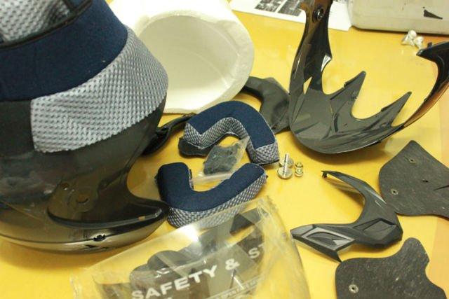 Menjaga Kebersihan Helm