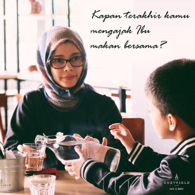 Makan bersama Ibu