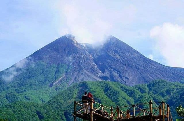 bukit klangon merapi spot foto hits dengan latar belakang keindahan rh hipwee com