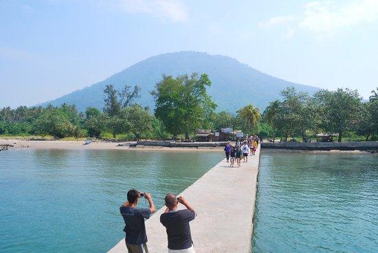 Dermaga Pulau Sebesi