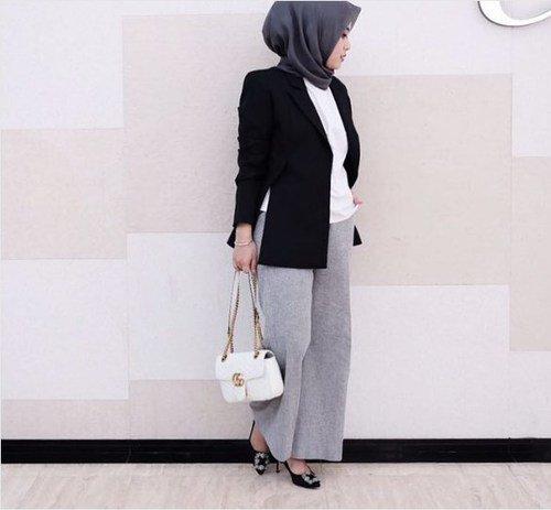 9 Inspirasi Busana Dan Hijab Ini Akan Membuatmu Terlihat Lebih Profesional Dan Elegan Saat Wawancara Kerja