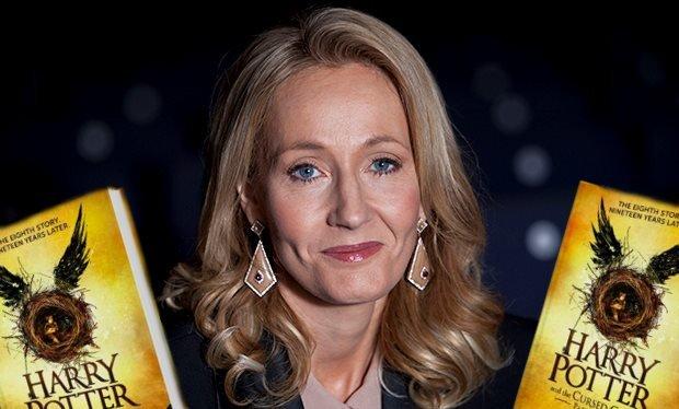 Joanne Kathleen Rowling (J.K. Rowling)