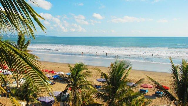 Suasana Pantai Legian