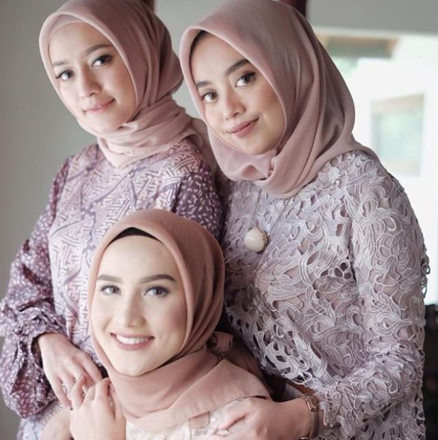 gaya hijabnya simpel!