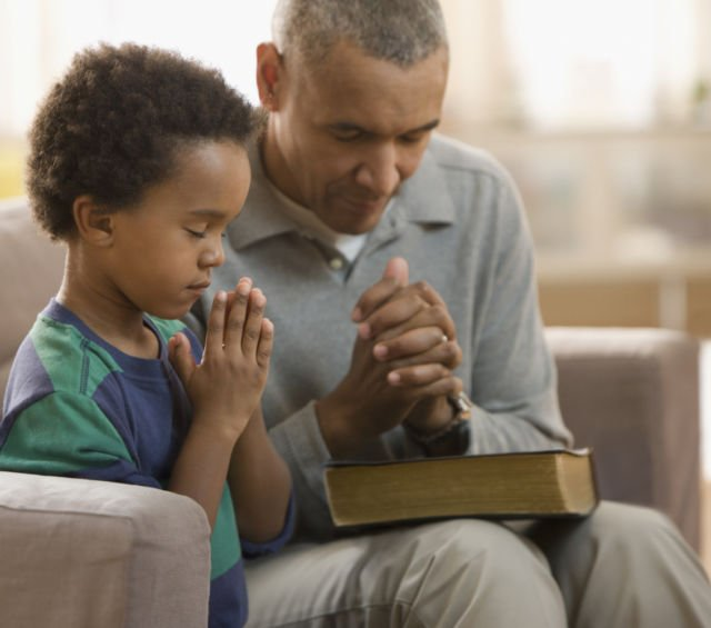 Ia berdoa untukmu