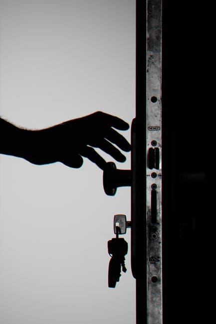 Pintu yang tertutup
