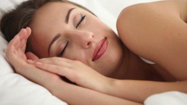kulit melakukan regenerasi saat kita tidur