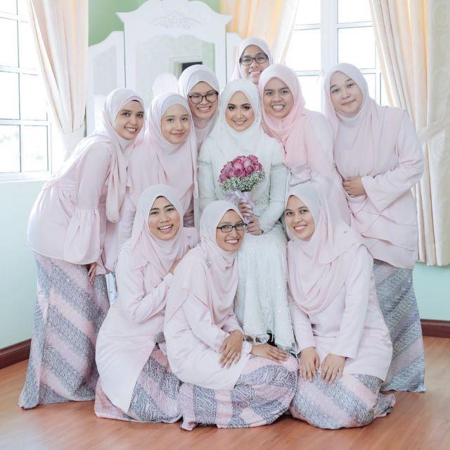 Anggunnya Hqq 16 Inspirasi Busana Bridesmaid Syar I Menutup Dada