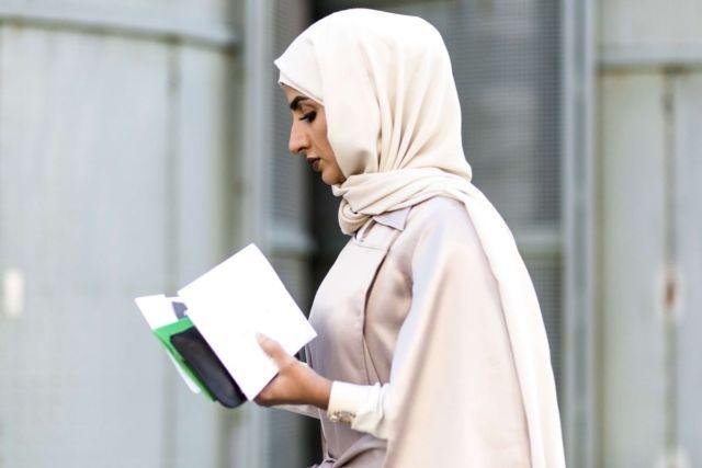 pilih bahan hijab yang nyaman