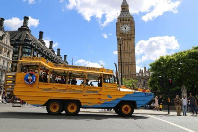 Amphibi Bus