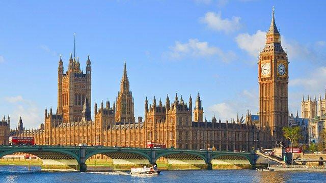 Wesminster Palace dan Menara Jam Big Ben, Inggris