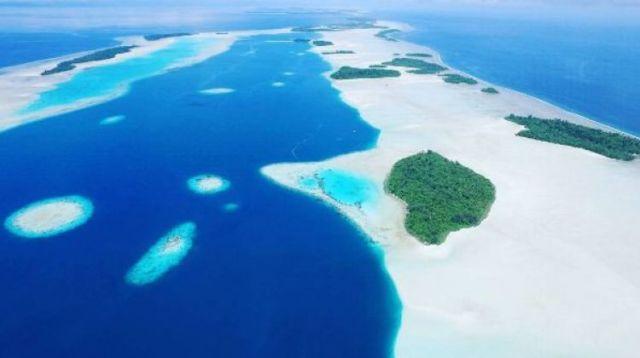 Keindahan Pulau Widi