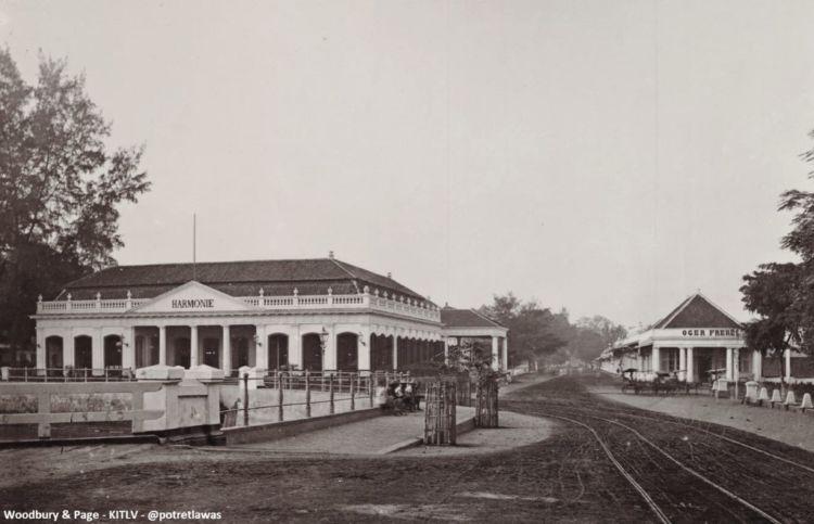 15 Potret Lawas Kota Jakarta Di Era Penjajahan Belanda Terasa Sangat Syahdu Dan Penuh Nostalgia