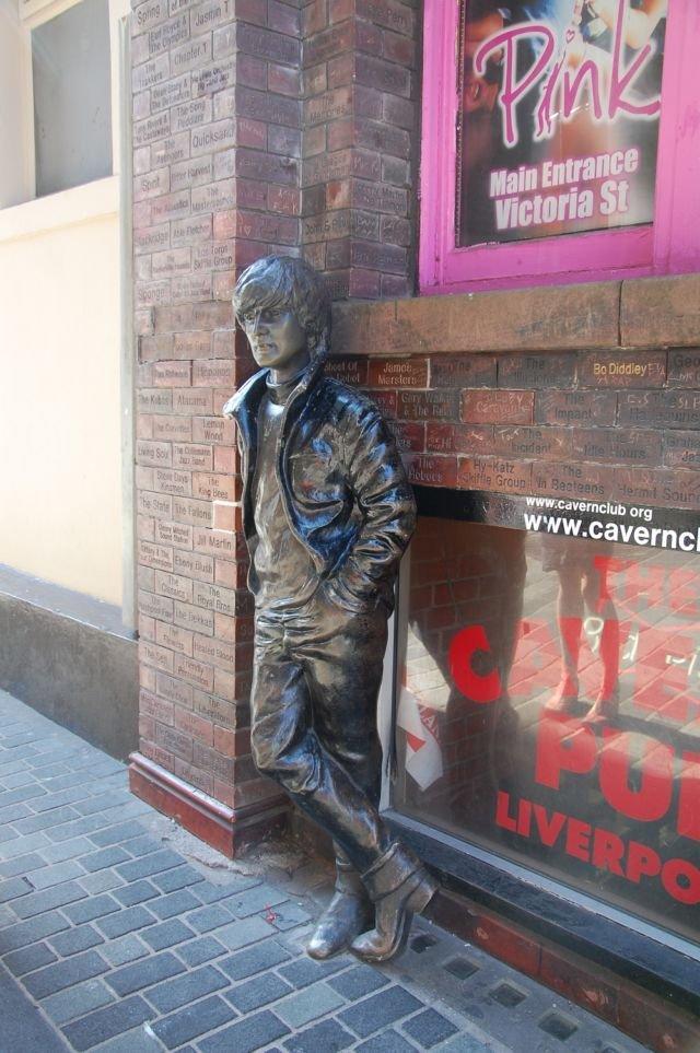 John Lennon di Cavern Club