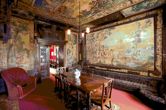 Salah satu sudut ruangan di rumah Victor Hugo