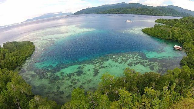Pesona Pulau Halmahera