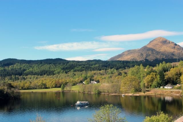 Suasana syahdu di Loch Lomond