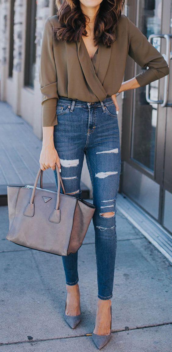 20 Alasan High Waisted Jeans Bisa Jadi Penolong Tampilanmu Si Pemilik Perut Maju Menyembul Manja