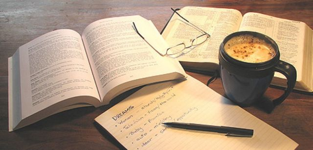 THE BEST READS WHILE DRINKING COFFEE