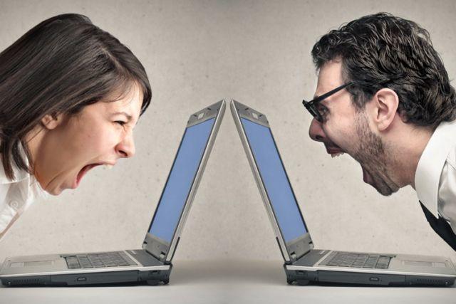 Nggak Usah Debat di Sosial Media