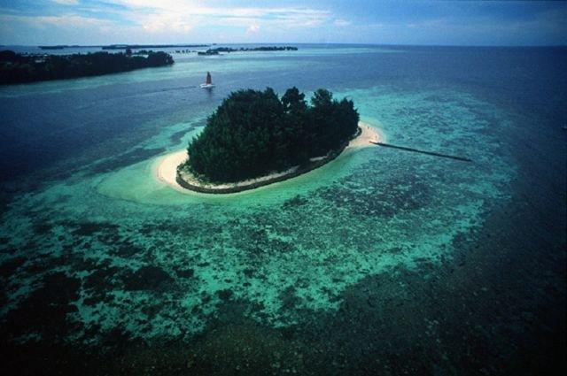 Pulau Isle East Indied