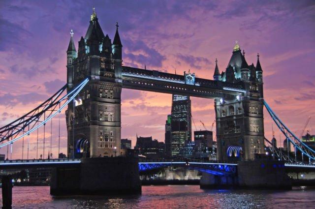 Tower Bridge or London Bridge