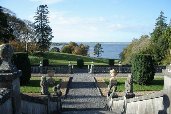 Danau Lough yang indah