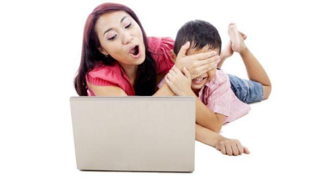 batasi penggunaan internet anak kecil