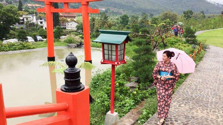 nggak harus ke jepang kamu bisa menikmati air panas di onsen hot rh hipwee com