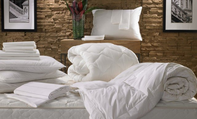 sprei tempat tidur