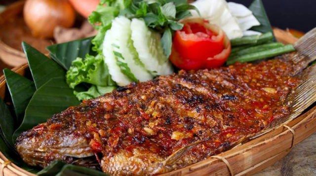 Ikan Gurame Bakar