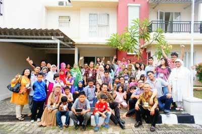Acara kumpul-kumpul keluarga