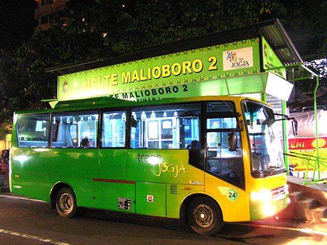 Trans Jogja dan Bus Kota.