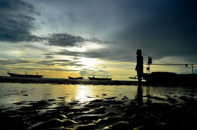 Sunset di Pantai Lampu satu