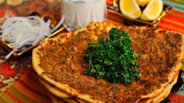 Pizza ala Turki yang memiliki kelezatan tersendiri