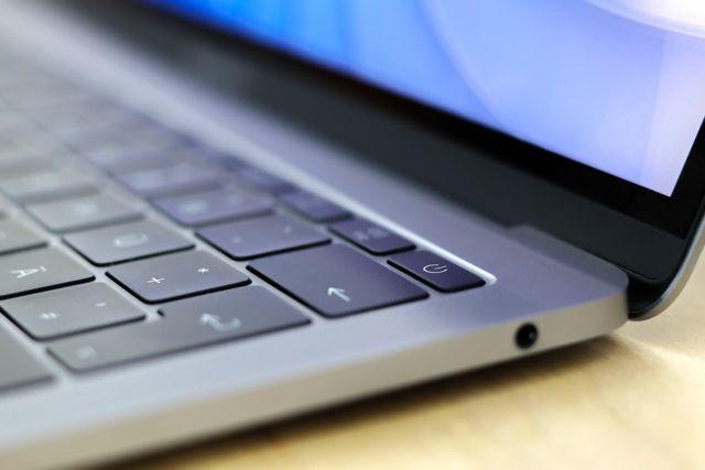 laptop dengan kinerja powerfull