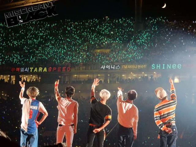 Shawol adalah sebutan untuk fans SHINee