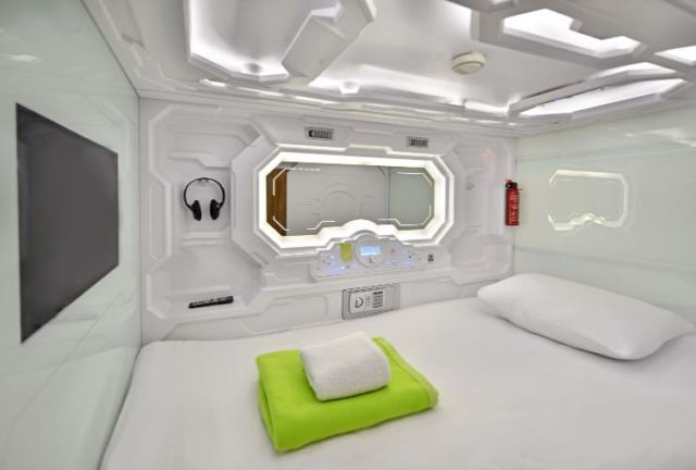 Single bed capsule.