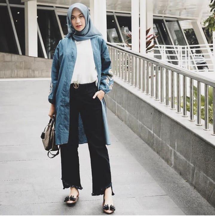 Santai Sopan Sekaligus Nyaman 15 Gaya Fesyen Hijab Ala Indah Nada Puspita Ini Layak Jadi Panutan