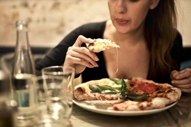 Batasi Konsumsi Camilan dan Makanan Siap Saji