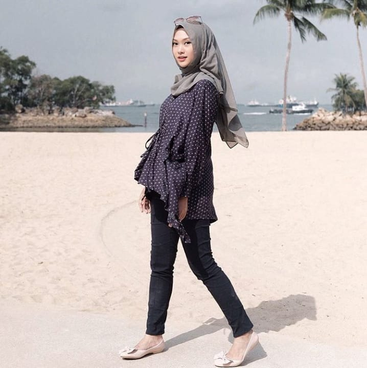Santai Sopan Sekaligus Nyaman 15 Gaya Fesyen Hijab Ala Indah Nada