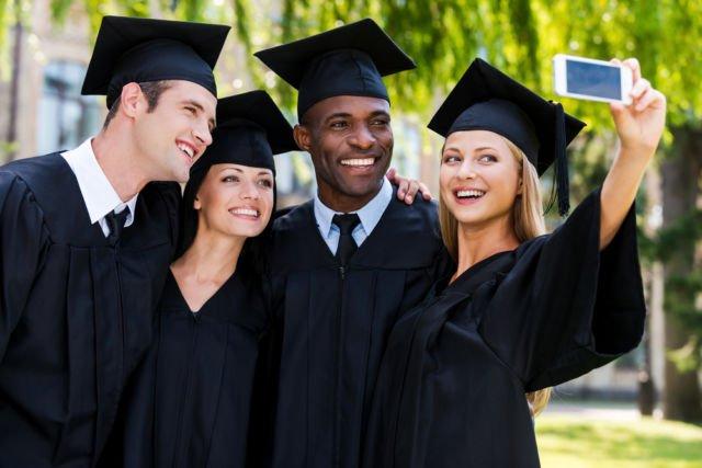 graduation-wefie-selfie